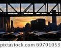 JR大阪站傍晚觀連接橋大屋頂 69701053