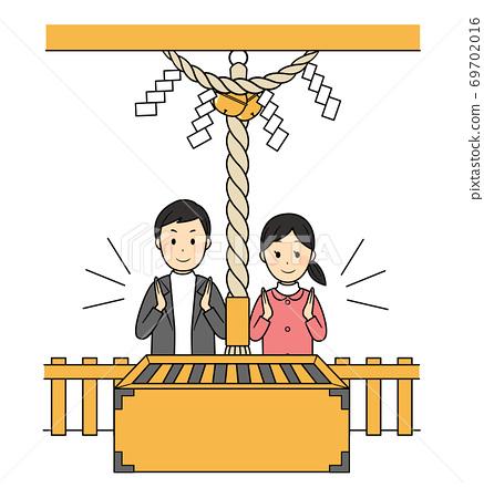兩人在神社里崇拜 69702016
