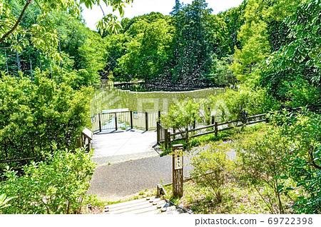 [Metropolitan Park] Oyamadairi Park, Waterside Square, Otagiri Pond [Colored Pencils] 69722398
