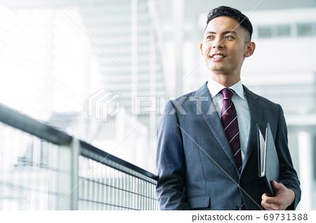 企業商人人辦公室 69731388
