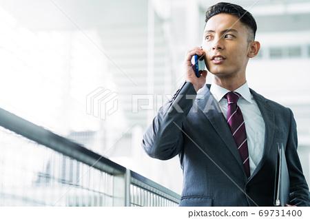企業商人人辦公室 69731400