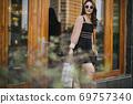 Shopping girl 69757340
