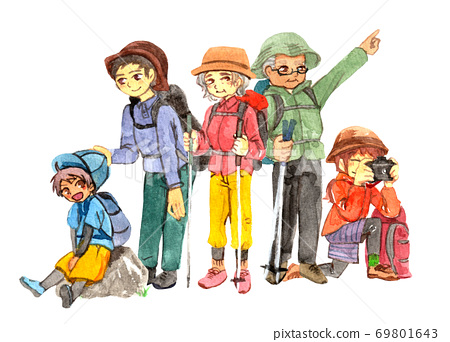 享受登山的家庭 69801643