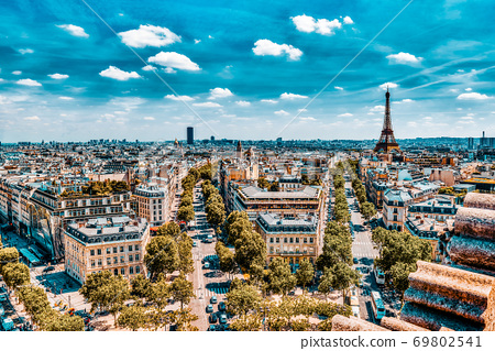 Beautiful panoramic view of Paris from the roof of the Triumphal Arch. View of the Eiffel Tower. 69802541