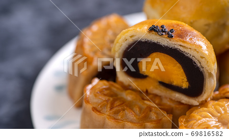 中秋節 蛋黃酥 月餅 特寫 Moon Festival yolk pastry cake げっぺい 69816582