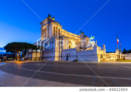 Architecture of the Vittorio Emanuele II Monument in Rome at night, Italy 69822004