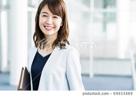 女商人辦公室 69833869