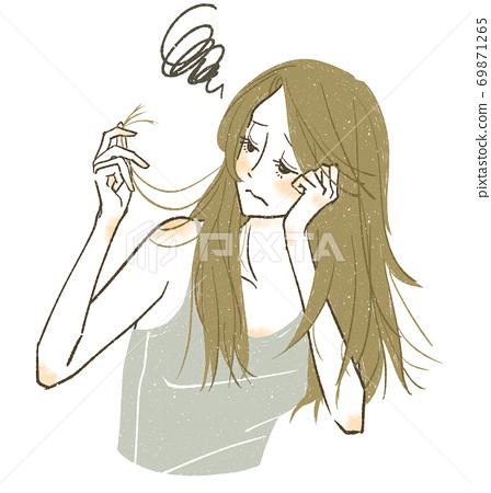 遭受頭髮疼痛和頭髮分裂的婦女 69871265