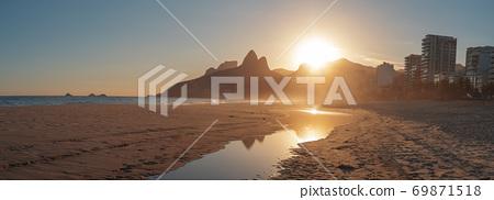 Deserted Ipanema Beach during the Coronavirus Infection (COVID-19 69871518