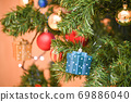 크리스마스 트리 장식 69886040
