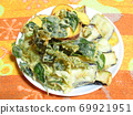Vegetable tempura 69921951