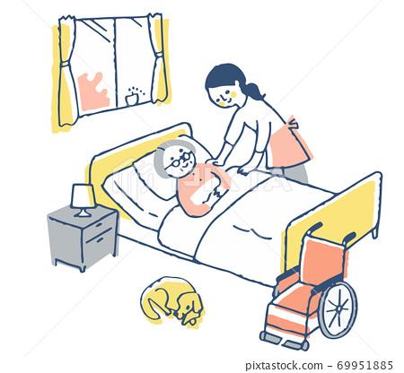 護理形象:躺在床上的高級婦女和護理的婦女 69951885