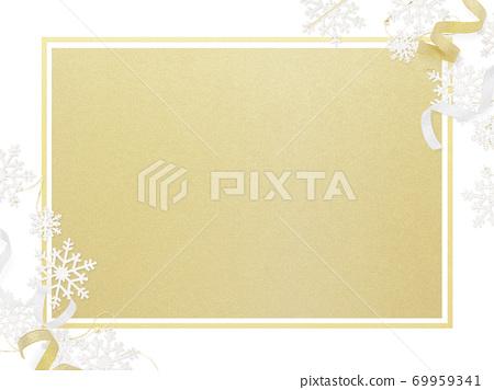 用雪花环装饰的白色和金色框架-存在多种变化 69959341