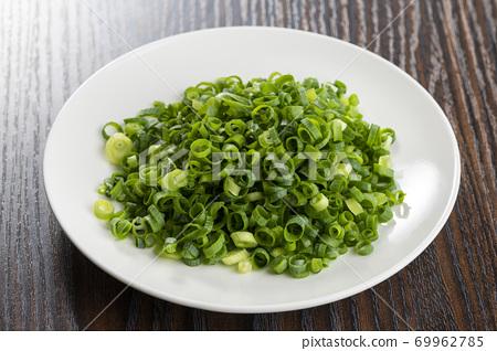 Condiment green onion chopped green onion 69962785