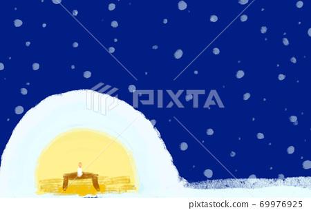 Warm up in a kamakura on a snowy night 69976925