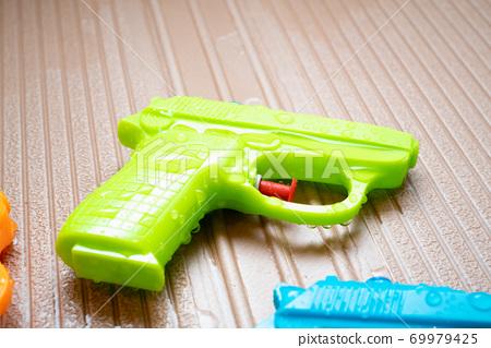 Water gun 69979425