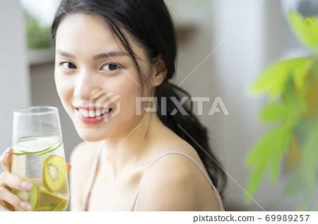 여성 라이프 스타일 편안한 다이어트 해독 69989257