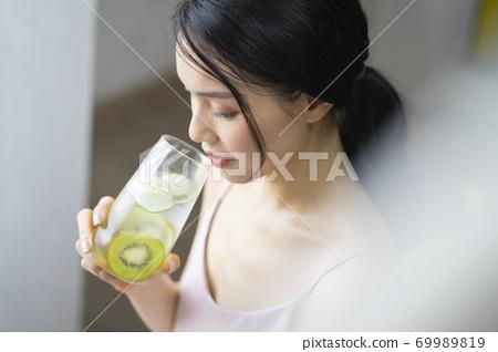 여성 라이프 스타일 편안한 다이어트 해독 69989819