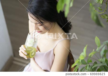 여성 라이프 스타일 편안한 다이어트 해독 69989825