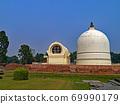 인도 부처님이 돌아가신 성지에 세워진 涅槃堂과 탑 69990179