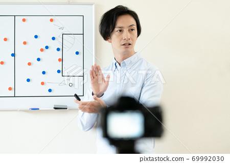 一個解釋足球戰術的人 69992030
