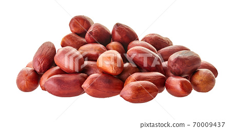 raw peanuts close-up with clipping path 70009437