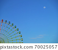 새벽에 본이자 요이 달과 관람차 70025057