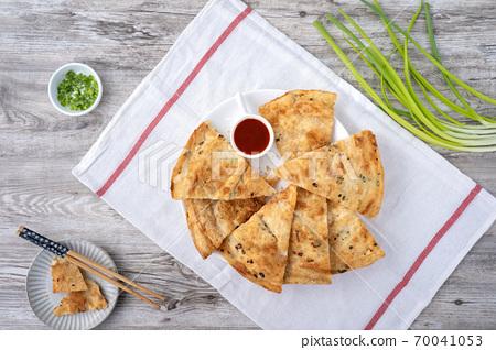 蔥油餅 台灣 小吃 scallion pancake Taiwan snack 揚げ 焼き葱入り餅 70041053