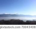 直到中午為止的甲府盆地和雲海 70043408