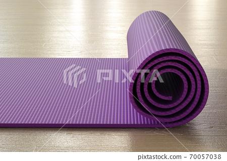 Purple yoga mat 70057038