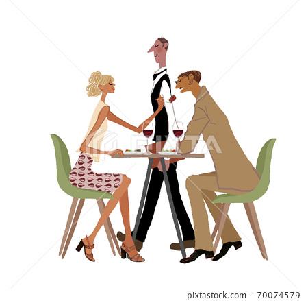 夫婦和服務員在餐廳吃飯 70074579