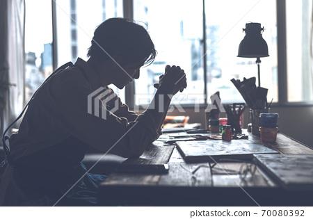 工作室男人 70080392