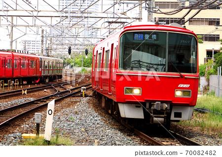 紅色名鐵車輛行駛 70082482