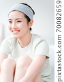 年輕漂亮的東方年輕女性居家生活日常 70082659