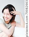 年輕漂亮的東方年輕女性居家生活日常 70082663