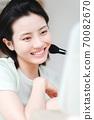 年輕漂亮的東方年輕女性居家生活日常 70082670