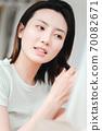 年輕漂亮的東方年輕女性居家生活日常 70082671