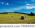 富饒的富町町的牧場(北海道鳥町) 70084094