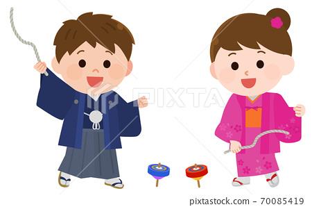 新年插圖的孩子們穿著和服打頂 70085419