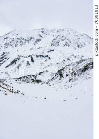 Tateyama mountain early winter 70091913