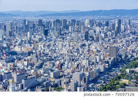 오사카 도시 경관 나니와 구 중앙 구 방면 70097526