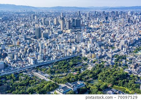 오사카 도시 경관 나니와 구 중앙 구 방면 70097529
