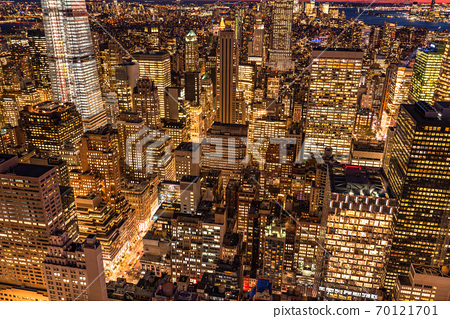《New York》 Night view of Manhattan skyscrapers 70121701