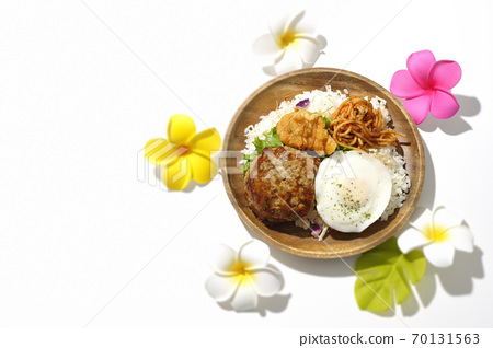 One plate loco moco bowl with fried chicken and napolitan and artificial flowers of plumeria (white background, bird's-eye view) 70131563