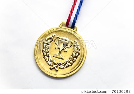 황금 메달 70136298