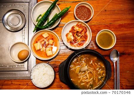 위와 장을 튼튼하게 해주는 소내장탕, 한국전통음식,  70170346