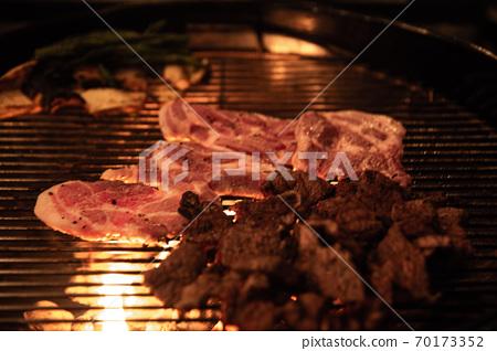 양고기, 양갈비, 버섯, 아스파라거스를 이용한 바베큐, 70173352