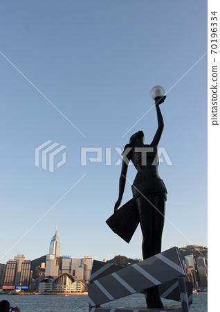 3 Aug 2007 Avenue Of Stars Statue Silhouette at tst hk 70196334