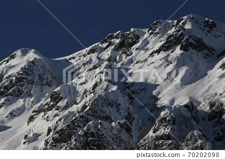 高聳的俄羅斯冬山 70202098