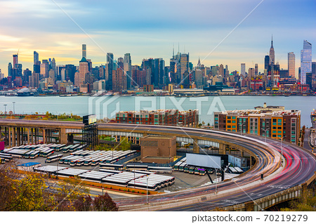 New York City Skyline from New Jersey 70219279